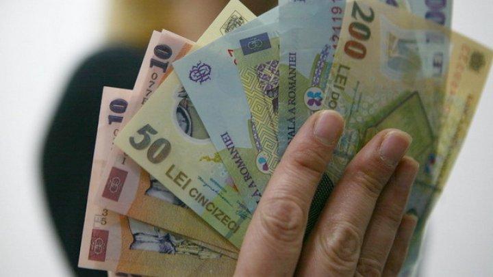 Românii nu vor plăti ratele la bănci timp de o lună