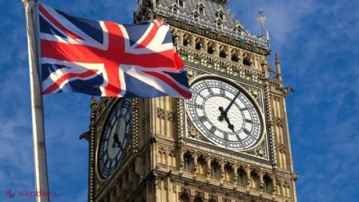 Johnson îi avertizează pe britanici: Staţi în casă sau veţi faceţi faţă unor măsuri mai dure