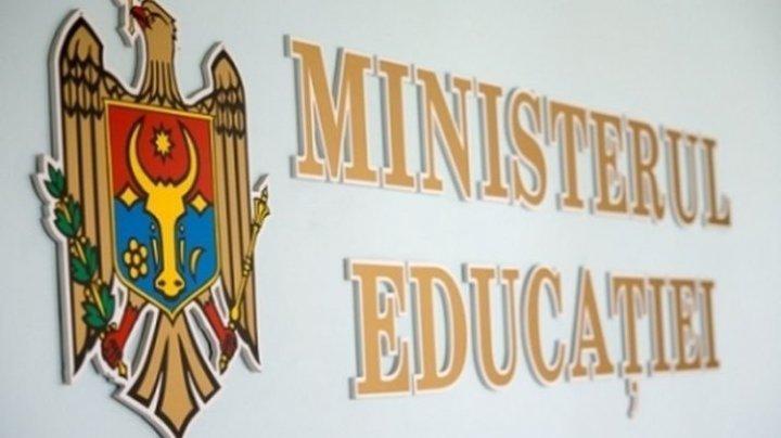 Coronavirus în Moldova. Se SUSPENDĂ procesul de înscriere a copiilor în clasa I pentru anul de studii 2020-2021