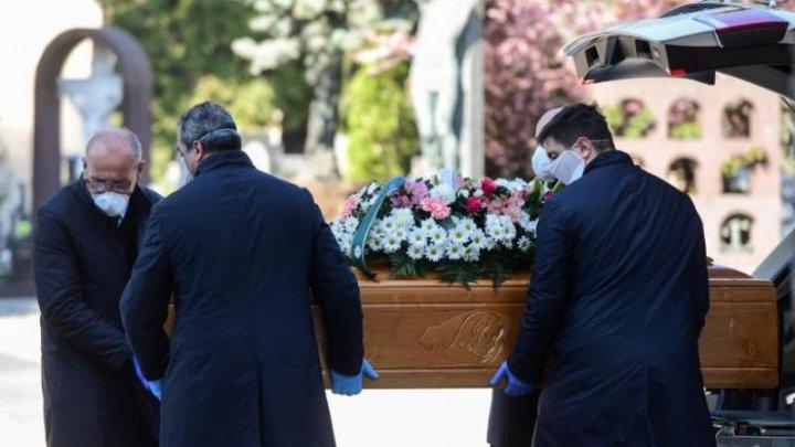 Scene apocaliptice în Italia. Crematoriile funcţionează 24 de ore din 24