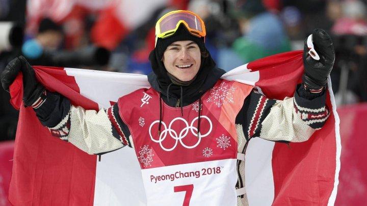 Sebastien Toutant şi-a amenajat în propria locuinţă un traseu pentru snowboard
