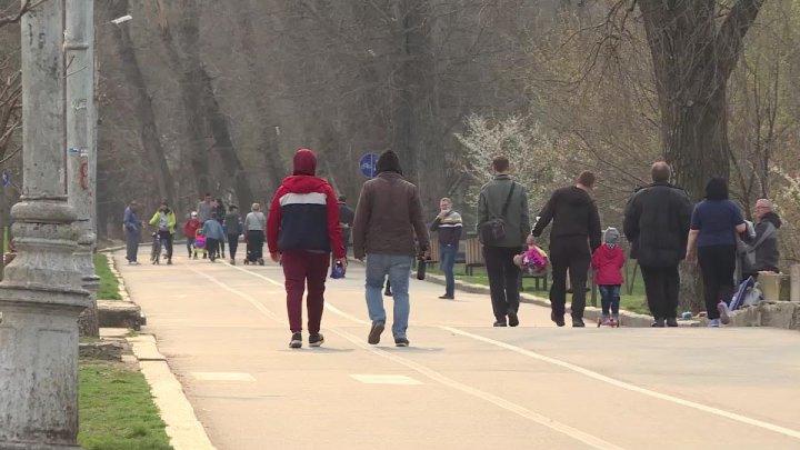 Vor fi sau nu sancționați cei care se plimbă prin parcurile din Capitală, pe timp de carantină