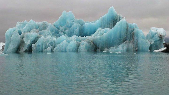 Fenomen îngrijorător! Calotele glaciare polare se topesc de şase ori mai repede decât în anii '90
