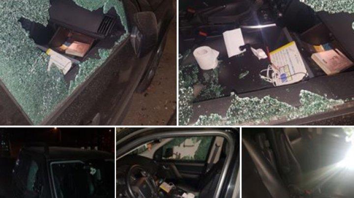 Un şofer din Capitală şi-a găsit MAŞINA SPARTĂ. Ce au furat hoţii (FOTO)