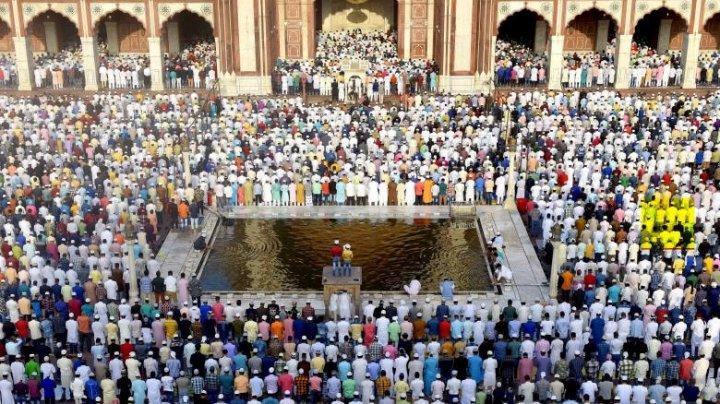 O adunare religioasă la o moschee din India, posibilul focar principal al epidemiei în această ţară
