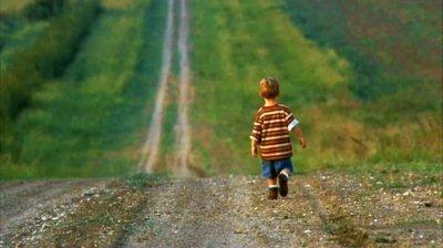 Un copil de 3 ani din raionul Căușeni, dat dispărut, a pus pe jar părinții, salvatorii și poliția. Ce s-a întâmplat și în ce stare a fost găsit