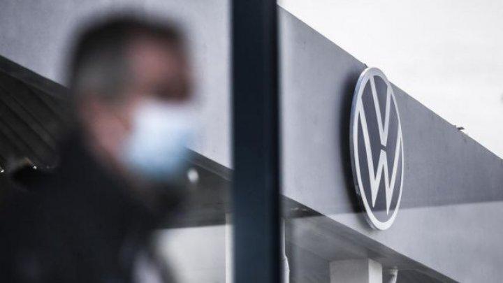 Volkswagen amână pe termen nedefinit reluarea producţiei în SUA