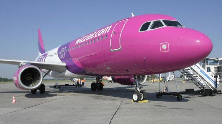 Wizz Air concediază 1.000 de oameni și taie salariile pentru restul angajaţilor