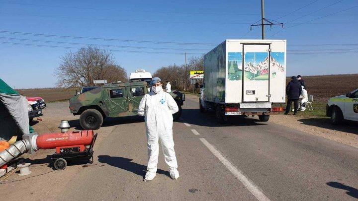 Militarii și polițiștii continuă executarea misiunilor pentru prevenirea răspândirii coronavirusului (FOTO)