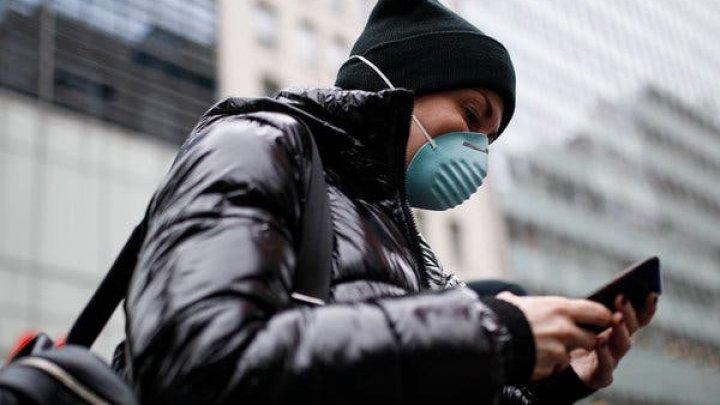Guvernul francez lucrează la o aplicaţie mobilă care îi va avertiza pe utilizatori dacă au intrat în contact cu o persoană infectată cu COVID-19