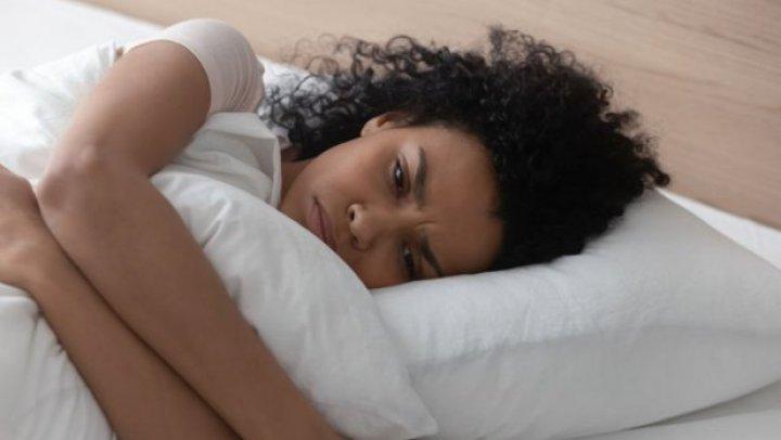 Experţi: Oboseala pe care o resimţi în izolarea de coronavirus este normală