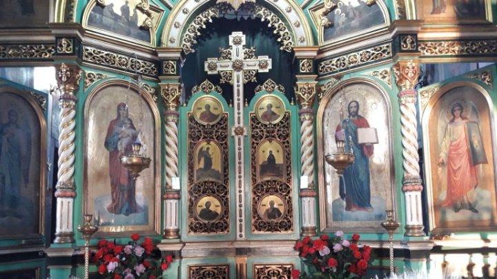 Dar din dar se face rai. Biserica din localitatea Sîngera donează bani pentru lupta împotriva coronavirusului
