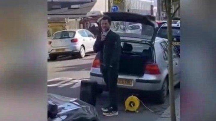 Un preot din Marea Britanie face slujbe religioase din mașină