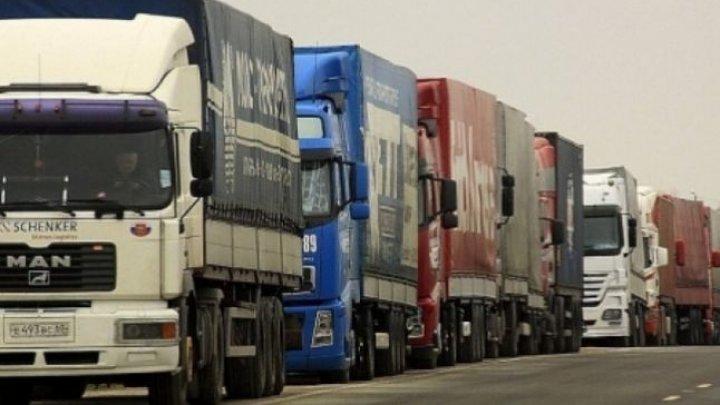 Mai multe TIR-uri moldovenești, blocate la granițele Turciei. Ce spun reprezentanții Ambasadei Moldovei de la Ankara