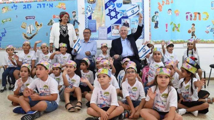 Elevii se întorc la şcoală în Israel, odată cu relaxarea restricţiilor