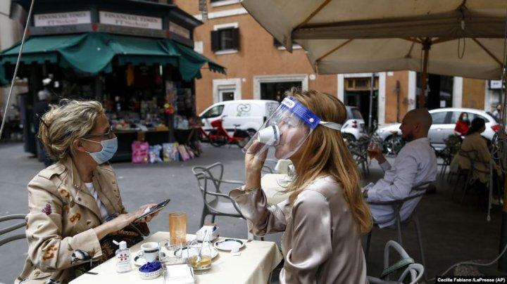 Italia va recruta 60.000 de voluntari pentru a monitoriza respectarea regulilor de distanţare socială