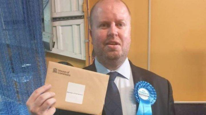 Petrecere pe timp de pandemie. Un parlamentar britanic a încălcat restricţiile impuse de autorităţi pentru a opri răspândirea coronavirusului