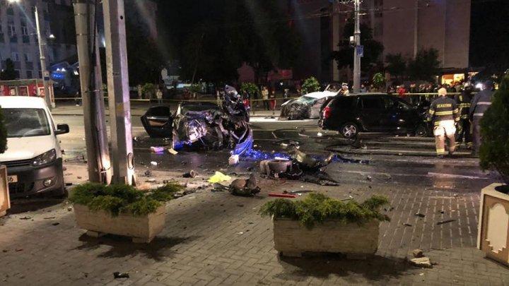 FILMUL TRAGEDIEI din centrul Capitalei. Accidentul ar fi avut loc ca urmare a unui pariu. Ce spun martorii
