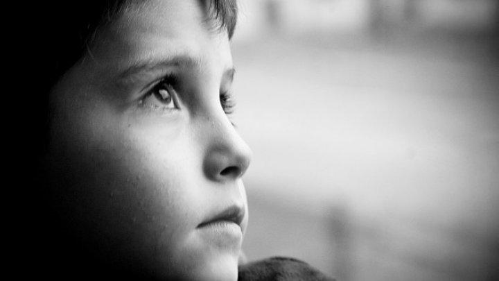 Studiu UNICEF: Unu din cinci copii din UE este nefericit și îngrijorat pentru viitorul său