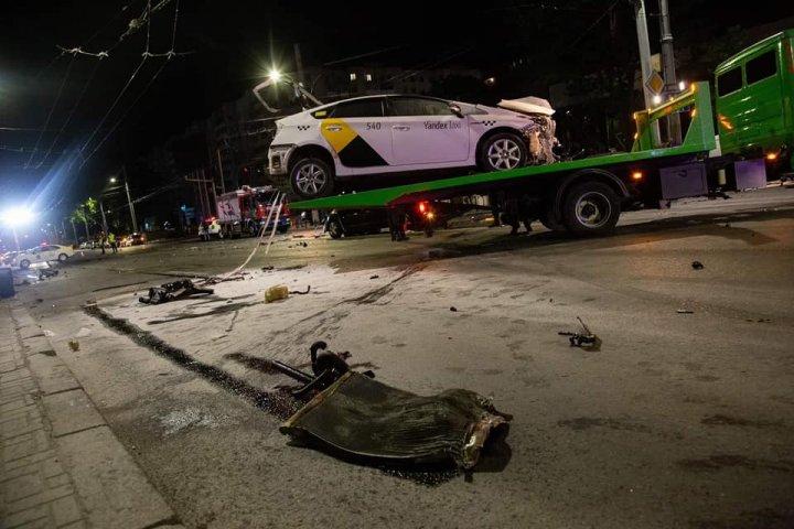 DETALII despre ACCIDENTUL CUMPLIT, soldat cu doi morți, produs noaptea trecută în Capitală. Cum s-a produs TRAGEDIA (IMAGINI CU PUTERNIC IMPACT EMOȚIONAL)
