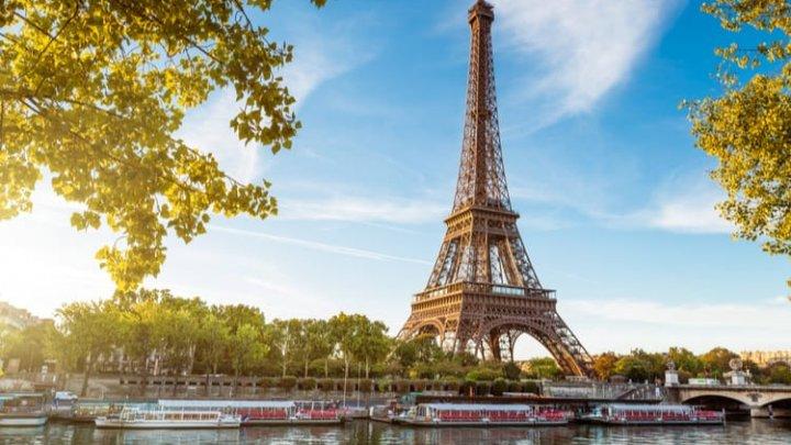 Purtarea măștii devine obligatorie în tot Parisul, pe fondul creșterii numărului de cazuri COVID-19