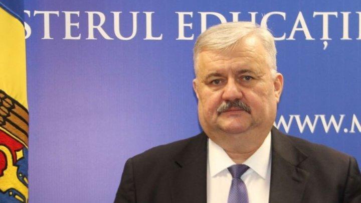 Ministrul Educației Igor Șarov a interzis întâlnirile electorale în școli
