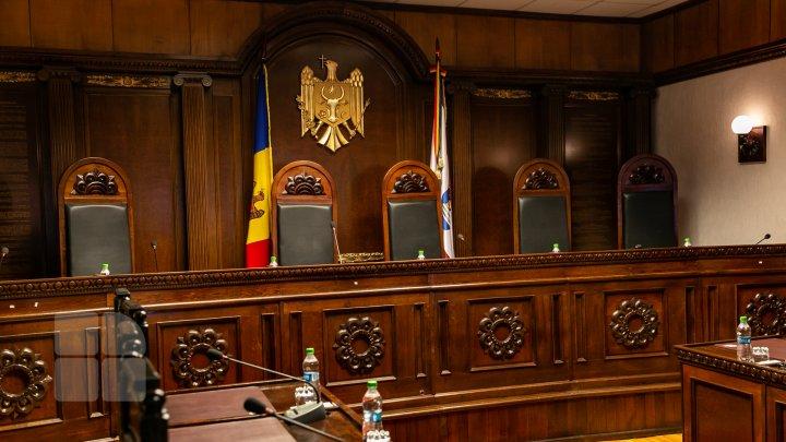 Judecătorii CC cer salarii mai mari, egale cu cele ale vicepreședintelui CSM