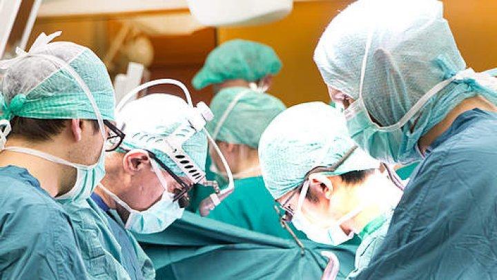 Intervenţie chirurgicală revoluţionară în Moldova. O femeie, tratată cu ajutorul unui dispozitiv de ultimă generaţie