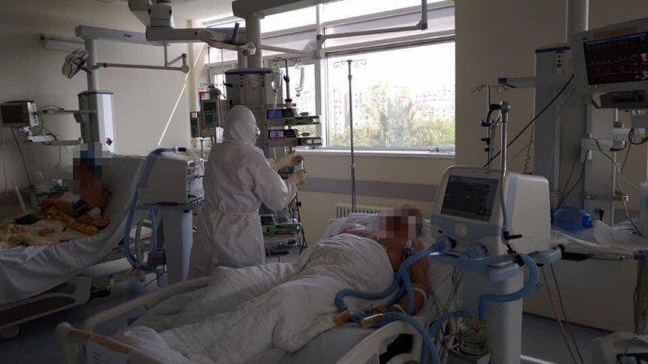 A fost scos din ghearele morții. Un bărbat cu complicații grave ale COVID-19 a ieșit cu brio din situația critică