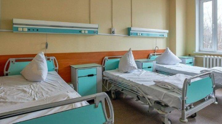 STUDIU: Pacienţii cu coronavirus prezintă un risc mai ridicat de mortalitate după o intervenţie chirurgicală