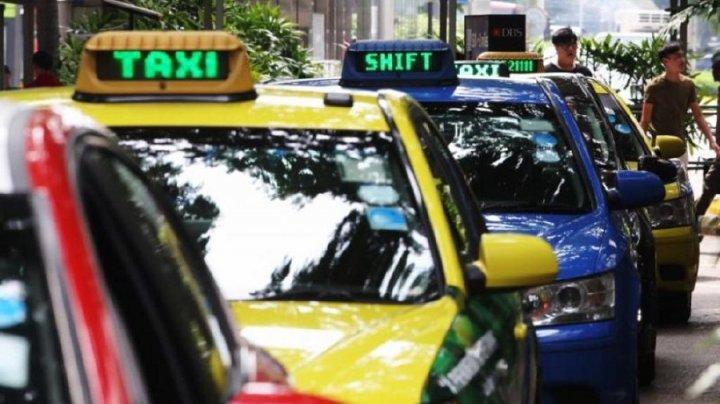 Un şofer de taxi din Singapore a primit 4 luni de închisoare pentru o postare pe Facebook despre COVID-19