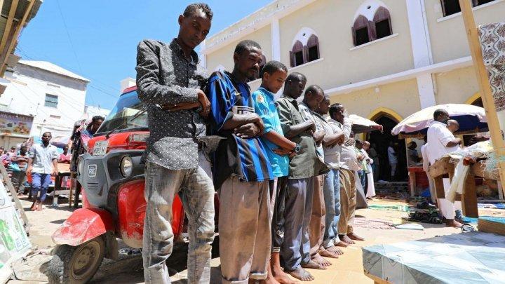 Explozie în Somalia în timpul sărbătorii Eid al-Fitr, soldată cu morţi şi răniţi