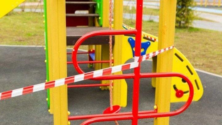 Ceban apel către părinţi: Nu permiteți accesul copiilor la terenurile de joacă, acestea prezintă un pericol de infectare cu coronavirus