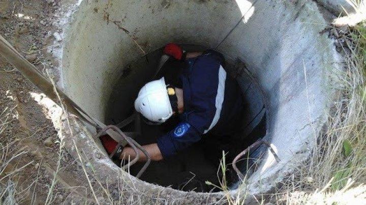 O femeie căzută într-o fântână din Orhei a fost salvată de pompieri (FOTO)
