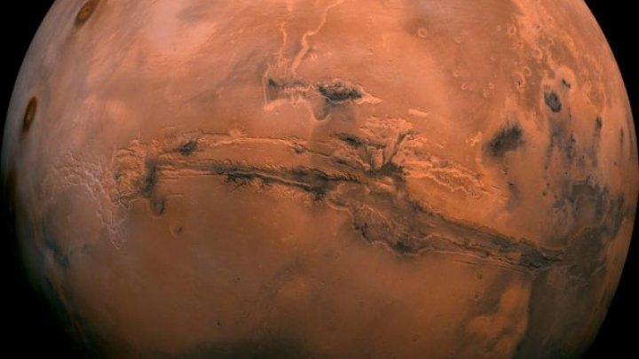 Arabii trimit o sondă pe Marte. Când este planificată lansarea