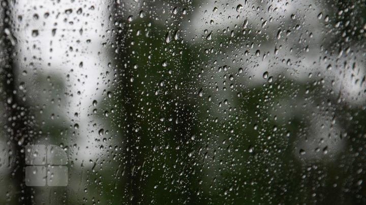 METEO 25 august: Nu uitați umbrelele acasă. Se anunță ploi cu descărcări electrice
