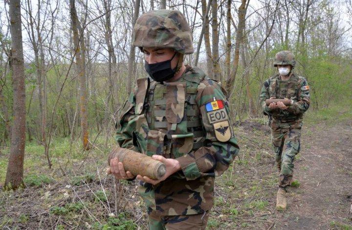 Circa 800 de obiecte explozive au fost lichidate de geniștii Armatei Naționale pe parcursul lunii mai (FOTO)