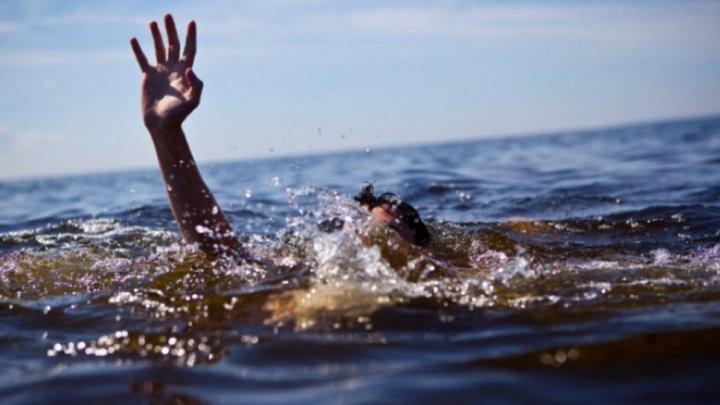 Tragedie în raionul Hînceşti. Un tânăr a fost înghiţit de apele Prutului