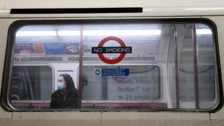 Marea Britanie impune purtarea măştilor în transportul în comun de la 15 iunie