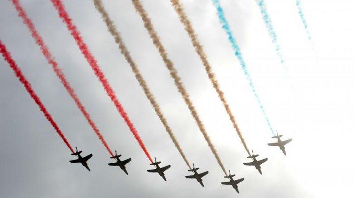 Francezii nu vor putea participa la parada militară de pe 14 iulie. Ceremonia de Ziua Franței va avea loc în condiții speciale
