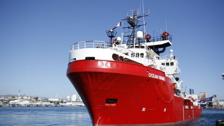 Nava Ocean Viking a primit autorizaţia de a-i debarca pe cei 180 de migranţi de la bord în Sicilia