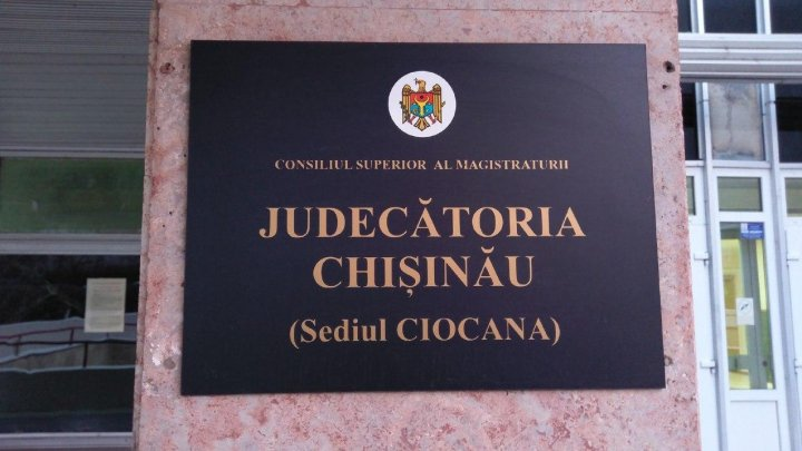 Angajaţii Judecătoriei Chişinău cu sediul Centru şi Ciocana vor activa în regim special, după ce au fost depistate două cazuri de COVID-19