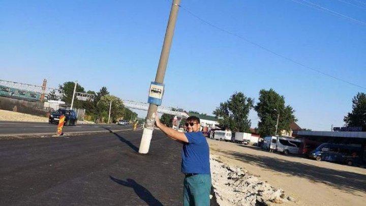 (GALERIE FOTO) Pilonii din Străşeni, o nouă locaţie pentru sesiuni foto. Internetul, invadat de meme-uri