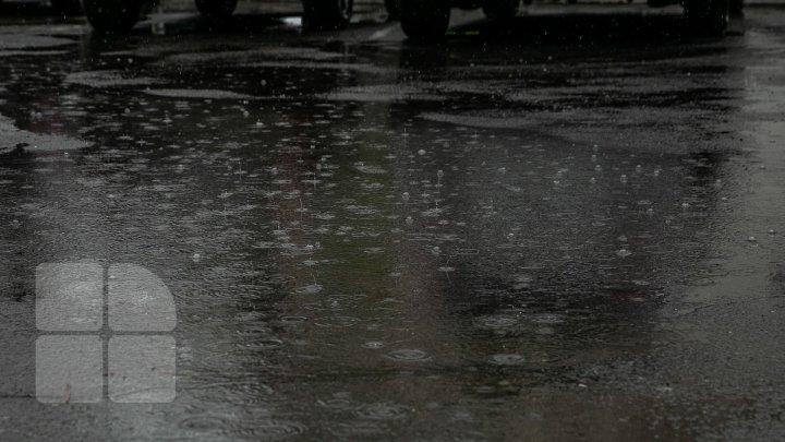 În prima zi de vară va ploua cu găleata. Meteorologii au emis COD GALBEN de precipitaţii puternice şi vânt