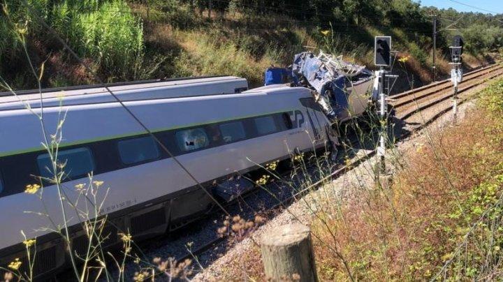 Cel puţin doi morţi şi 37 de răniţi într-un accident feroviar în Portugalia