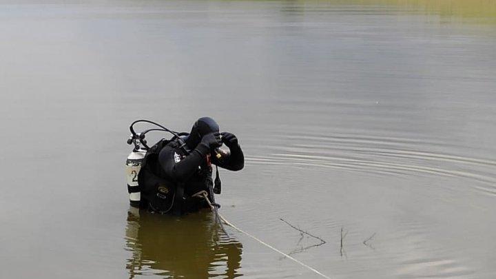Descoperire macabră la Sângerei. Un bărbat dat dispărut în această dimineaţă s-ar fi înecat în apele iazului Gudoc