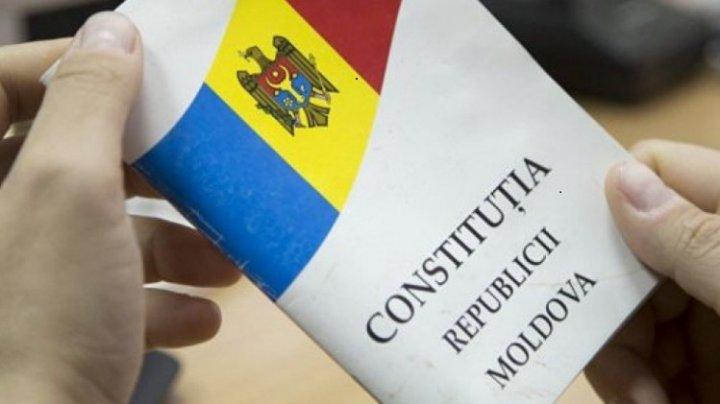 """Igor Dodon: """"Sunt ferm convins că trebuie modificată Constituţia"""". Ce schimbări vor să facă socialiştii"""