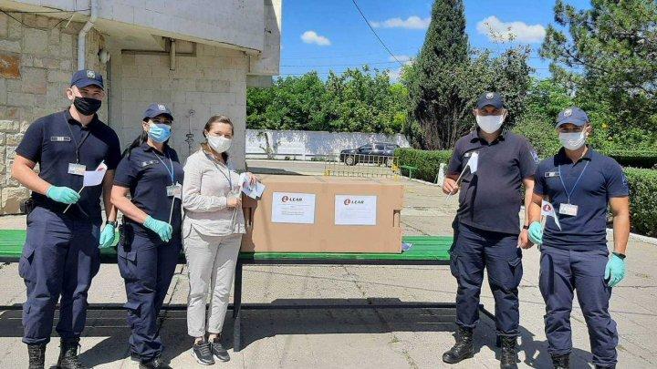 Două mii de măști medicinale, donate polițiștilor de frontieră din PTF Sculeni