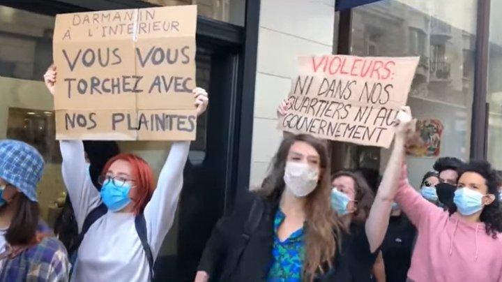 Noul ministru francez de Interne, contestat de feministe care îl acuză de viol