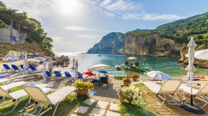 Grecia deschide aeroporturile din insule şi extinde lista pentru turiştii veniţi din alte ţări